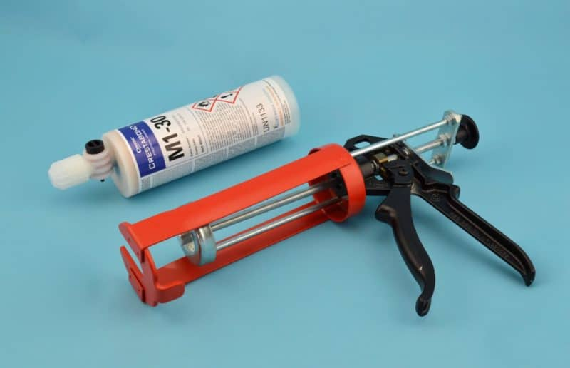 Dispensing Gun Crestabond Bonding Agent Glassfibre Ie